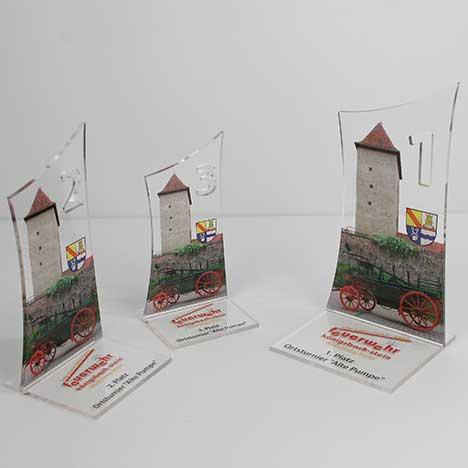 Ihr Spezialist für Plattendirektdruck, Plattendruck auf Acrylglas dazu Konturenfräsung und Form fräsen